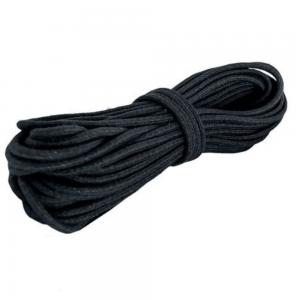 elástico preto enrolado