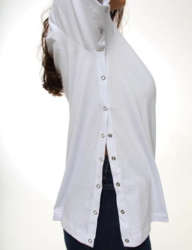 Camiseta Branca com Abertura Lateral