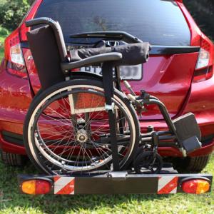 Suporte universal veicular para cadeiras de rodas